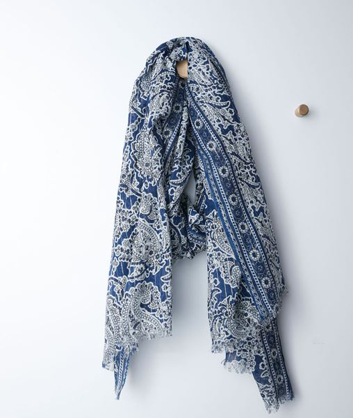 Picture of BIANCA BLUE CASHMERE PRINTED SCARF