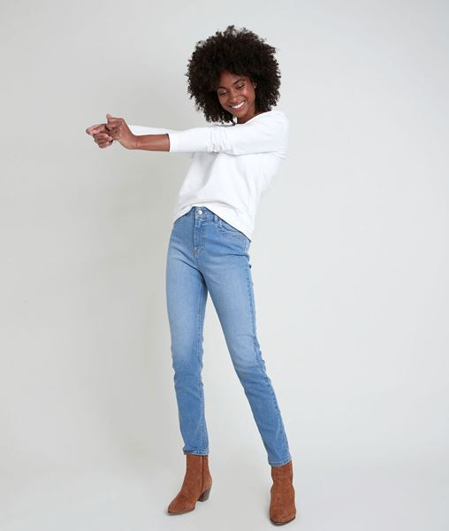 Picture of THE ICONIC SUZY PURE-BLEACHED SLIM-FIT JEANS