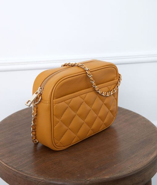Picture of DAN VANILLA QUILTED LEATHER CLUTCH BAG